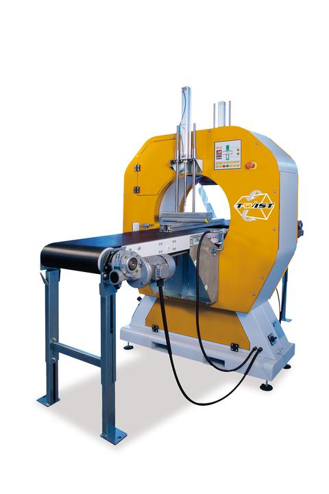 Interpack 2017 Halbautomatische Stretchmaschine E