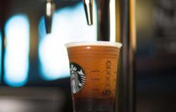 Nitro Coffee aus dem Hahn ... Foto: Starbucks