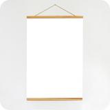 Posterleisten aus Holz, mit Aufhängeschnur und Magnetbefestigung